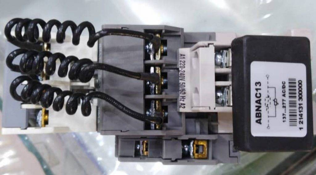 کنتاکتور خازنی 25 کیلوواری برند ABN-UK مدل RVCC2512